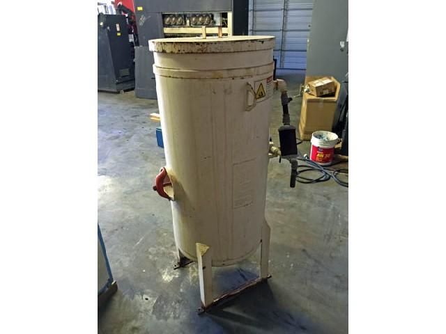 Water Jet: Axxiom Waterjet Abrasive Material Hopper Model 10CF
